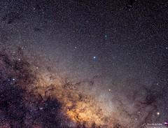 Comet/2016 M1 (Panstarrs) and the center of the Milkyway (AstronomíaNovaAustral) Tags: astronomy astrofotografia astronomianovaaustral astrophotography astrophoto astrofotografía sky deepsky reflexionnebula galaxy chileansky cajondelmaipo milkyway longexpo nightsky minolta nebula nebulosa universetoday celestron galaxia astronomia