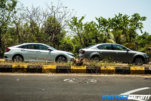 Honda-Civic-vs-Skoda-Octavia-9