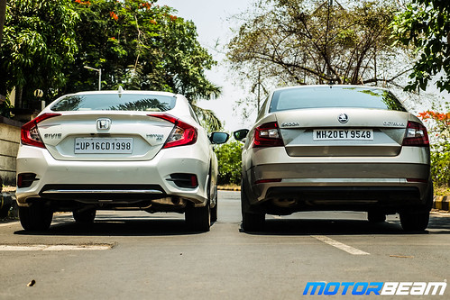 Honda-Civic-vs-Skoda-Octavia-7