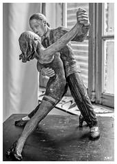 Tango - Vilma DxOFP LM+50 1007923 (mich53 - thank you for your comments and 6M view) Tags: leicamtype240 summiluxm35mmf14asph télémètre entfernungsmesser rangefinder danse danseur sculpture art vilmacarrizo tango couple exposition evénement mouvement monochrome noirblanc blackwhite