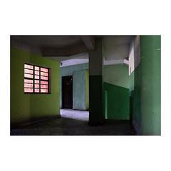 L'immeuble vert (>> Anne) Tags: vert tataouane cuba workshop architecture immeuble green fenêtre window
