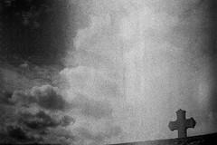 Oh Lord (herbdolphy) Tags: analog analogique argentique pellicule 35mm film konicapop fomapan noiretblanc blackwhite grain filmisnotdead filmphotography cross