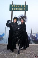 QUINTESSENZA VENEZIANA 2019 833 (aittouarsalain) Tags: venise venezia carnevale carnaval costume masque mask gondole gondola