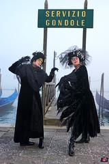 QUINTESSENZA VENEZIANA 2019 834 (aittouarsalain) Tags: venise venezia carnevale carnaval costume mask masque gondole gondola chapeau
