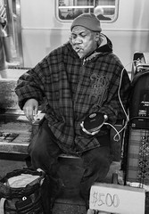 New York (Sabaté Photography) Tags: streetphotography publictransport newyork portraits blackandwhite streetartist