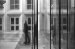 des lignes et des formes (l'imagerie poétique) Tags: 35mmfilm ilfordhp5 blackandwhitefilm pentaxmesuper helios44m4 ishootfilm