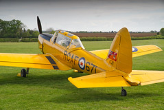 De Havilland Canada DHC Chipmunk T.22 (Nigel Musgrove-2.5 million views-thank you!) Tags: old training season is force air royal canadian collection chipmunk premiere warden shuttleworth displayed built dhc 1952 livery t22 england yellow plane 5 aircraft may bedfordshire aeroplane trainer 2019 monoplane low wing