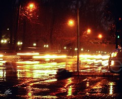 Winter in the city (Amy Charlize) Tags: amycharlize focosocial city street streetlife urban night light landscape winter rain santiago chile