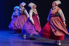 cercle gallo-breton, Rennes (Patrick Doreau) Tags: danse celtique bretonne costume coiffe tradition culture bretagne