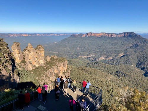 The Three Sisters Rock formation in Blue Mountain region of New South Wales, Australia.