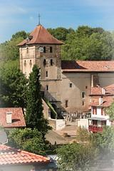 Espelette église st étienne d' (gilles207) Tags: espelette paysbasque pyrénéesatlantiques 64 église village fierdusud nag canon 5d