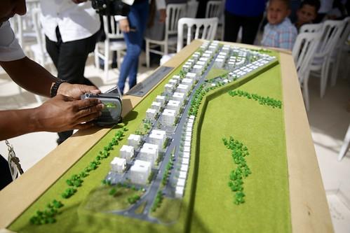 Danilo Medina asiste a inicio Crisfer Punta Cana. Gustavo Montalvo presenta últimas medidas de estímulo construcción viviendas económicas