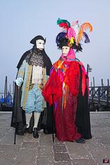 QUINTESSENZA VENEZIANA 2019 836 (aittouarsalain) Tags: venise venezia carnevale carnaval costume masque mask chapeau gondole gondola