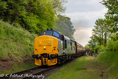 37688 Great Rocks Bewdley Northbound departure (Erlestoke7812) Tags: diesel locomotive train railway class37 englishelectric 37688 greatrocks d05preservationgroup severnvalley severnvalleyrailway spring dieselfestival gala dieselgala uk ukrailscene ukrailways preservation heritage heritagetraction vintage photography photographer railwayphotographer railwayphotography canon 700d