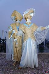QUINTESSENZA VENEZIANA 2019 839 (aittouarsalain) Tags: benise venezia carnevale carnaval costume mask masque gondole gondola brouillard brume