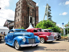 Ford Coupe, Chevrolet Panel Truck & Ford Panel Truck (linie305) Tags: herten germany bergwerk zeche industriedenkmal coalmine mine ruhrgebiet ruhrarea kohlenpott kustom kulture kustomkulture 2019 kohlenzeche car cars auto autos automobil radfahrzeuge fahrzeuge vehicles oldtimer oldtimers old vintage classic carshow carmeeting worldcars uscar usa american ford coupe coupé chevrolet chevy panel truck