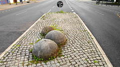 gwb | three-hill-island (stoha) Tags: threehillisland island verkehrsinsel strasse road kugel halbkugel guesswhereberlin gwb berlin berlino germania germany deutschland stoha soh