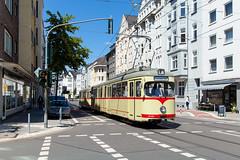 Klassiker als E-Wagen (trainspotter64) Tags: strasenbahn streetcar tram tramway tranvia tramvaj tramwaje nrw rheinland düsseldorf rheinbahn düwag gt6 museumswagen museumstram vrr