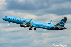 "[ORY] La Compagnie ""New Sticker"" Airbus A321neo _ F-HBUZ (thibou1) Tags: thierrybourgain ory lfpo orly spotting aircraft airplane nikon d810 tamron sigma takeoff fhbuz airbus airbusa321 a321neo a321 lacompagnie newyork newark ewr"