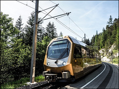 _6090088-B_fl - sehr moderne zeiten (II) (gemischtersatz) Tags: erlaufklause niederösterreich loweraustria österreich austria at mirrorless mft olympus mzuiko olympusem10iii mzuiko1240mmf28pro mariazellerbahn schmalspur 760mm