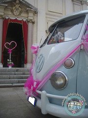 Aspettando la sposa... (partyinfurgone) Tags: addiocelibato addionubilato affitto epoca furgone hippie limousine matrimonio milano noleggio nozze photobooth piacenza pulmino sposi storico t1 vintage volkswagen vw wedding