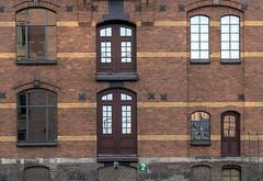 """Fassade Speicherstadt mit """"Spiegelungen"""" (Fritz Zachow) Tags: hamburg speicherstadt fassaden spiegelungen europa germany"""