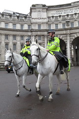 Mounted Met Police Officers in London (Ian Press Photography) Tags: mounted met police officers london horse horses 999 emergency service services metropolitan officer admiralty arch