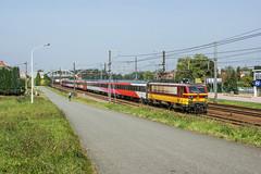 11.8 Duffel (Albert Koch) Tags: locomotief locomotive traxx bombardier benelux nmbs ns icr hispeed fyra train sky railway railroad road catenary