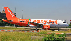 Airbus A319 ~ G-EZIW  Easy Jet (Aero.passion DBC-1) Tags: spotting cdg 2013 airport airlines airliner roissy dbc1 david biscove aeropassion avion aircraft aviation plane airbus a319 ~ geziw easy jet