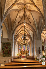 Bad Honnef: Die Kirche St. Johann Baptist (lt_paris) Tags: badhonnef kirche gewölbe wandmalerei stjohannbaptist kirchenschiff
