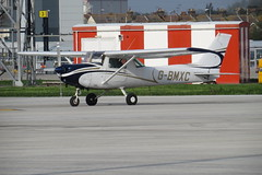 G-BMXC Cessna 152 at Southend Airport (Ian Press Photography) Tags: egmc southend airport essex plane planes aircraft gbmxc cessna 152