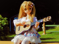 Playing A Summer Tune (Forest_Daughter) Tags: volks dollfie dream sister mayu bjd balljointed doll