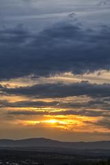 Cuando el sol quiso ponerse (2) (lebeauserge.es) Tags: madrid españa dehesadelavilla atardecer cielo sol nubes