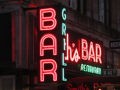2019 Smiths Bar Restaurant Grill 1060 (Brechtbug) Tags: 2019 smiths bar restaurant grill corner 44th street 8th avenue west nyc 06112019 rush hour pedestrians milling around red green neon light sign hell s kitchen clinton new york city taxi cab hells afternoon evening subway entrance globe film smith