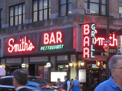 2019 Smiths Bar Restaurant Grill 1049 (Brechtbug) Tags: 2019 smiths bar restaurant grill corner 44th street 8th avenue west nyc 06112019 rush hour pedestrians milling around red green neon light sign hell s kitchen clinton new york city taxi cab hells afternoon evening subway entrance globe film smith