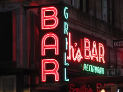 2019 Smiths Bar Restaurant Grill 1062 (Brechtbug) Tags: street nyc light red west green sign bar corner restaurant neon hell s grill rush hour pedestrians around avenue 8th smiths 44th milling 2019 06112019 new york city film kitchen subway evening globe afternoon clinton cab taxi entrance smith hells