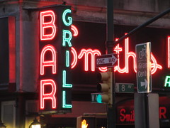 2019 Smiths Bar Restaurant Grill 1052 (Brechtbug) Tags: 2019 smiths bar restaurant grill corner 44th street 8th avenue west nyc 06112019 rush hour pedestrians milling around red green neon light sign hell s kitchen clinton new york city taxi cab hells afternoon evening subway entrance globe film smith