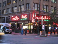 2019 Smiths Bar Restaurant Grill 1045 (Brechtbug) Tags: 2019 smiths bar restaurant grill corner 44th street 8th avenue west nyc 06112019 rush hour pedestrians milling around red green neon light sign hell s kitchen clinton new york city taxi cab hells afternoon evening subway entrance globe film smith