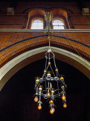 The Electric Light Orchestration (Steve Taylor (Photography)) Tags: church chandelier bulbs arch architecture brown window light brick metal uk gb england greatbritain unitedkingdom london round circle ring chain wire cable rope corpuschristicatholicchurch coventgarden maidenlane