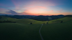 Gentle hills (Pascal Riemann) Tags: morgenstimmung strase landschaft panorama drohne oberhenneborn sonnenaufgang deutschland hügel sauerland natur availablelight dawn germany landscape nature outdoor sunrise drone morningmood schmallenberg nordrheinwestfalen