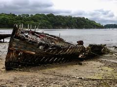 R.I.P (Faapuroa) Tags: skeleton squelette bateau boat mer sea cimetière graveyard cemetery marin grève nikon p1000 coolpix