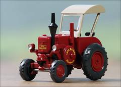 Lanz Bulldog (hans der insulaner) Tags: lanz trecker lanzbulldog ackerschlepper modellbahn h0 187 modell wiking traktor canon canoneosrp macro makro stacking focusbracketing