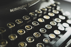typewriter - definition and meaning
