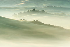 Revealed Layers (Dani℮l) Tags: toscana tuscany toscane layers mist fog landscape valdorcia danielbosma hill rolling layered atmosphere mood value morning sunrise pienza italy agriculture rural