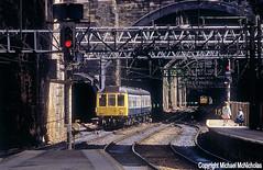 Watching The DMU (Michael McNicholas) (Neil Harvey 156) Tags: railway class108 ch252 liverpoollimestreet liverpool dmu multipleunit firstgenerationdmu derbybuilt brblue railblue michaelmcnicholas