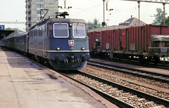 Langenthal Re4/4ii 11311 westbound 11th Aug 88 C10744 (DavidWF2009) Tags: switzerland suisse schweiz sbb cff ffs langenthal re44ii class420