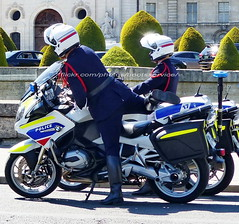 "bootsservice 19 2020909 (bootsservice) Tags: police ""police nationale"" policier policiers policeman policemen officier officer uniforme uniformes uniform uniforms bottes boots ""riding boots"" motard motards motorcyclists motorbiker biker moto motorcycle bmw paris"