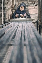 Carpet Loom (Roberto Pazzi Photography) Tags: portrait people travel traditions iran loom asia woman carpet rug place photography one person half length outdoor nikon