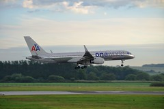 Oneworld Colours (Gerry Rudman) Tags: oneworld american airlines boeing 757223pcfwl n174aa