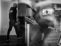keep fit! (judydeanclasen) Tags: düsseldorf reflections gym streetphotograph blackandwhite mono exercise